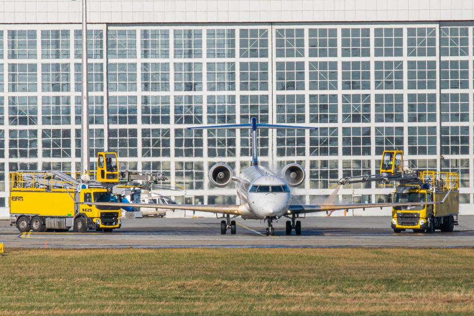gomaさんのルフトハンザ・シティライン Bombardier CRJ-900 (D-ACKE) 航空フォト