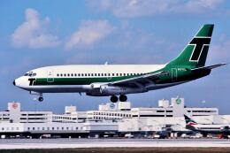 パール大山さんが、マイアミ国際空港で撮影したエア・フロリダ 737-222の航空フォト(飛行機 写真・画像)
