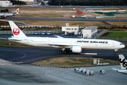 SFJ_capさんが、成田国際空港で撮影した日本航空 777-346/ERの航空フォト(飛行機 写真・画像)