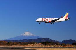O-TOTOさんが、静岡空港で撮影したフジドリームエアラインズ ERJ-170-200 (ERJ-175STD)の航空フォト(飛行機 写真・画像)