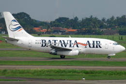 jun☆さんが、スカルノハッタ国際空港で撮影したバタビア航空 737-2T5/Advの航空フォト(飛行機 写真・画像)