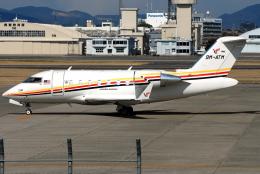 jun☆さんが、名古屋飛行場で撮影したHornbill Skyways CL-600-2B16 Challenger 605の航空フォト(飛行機 写真・画像)