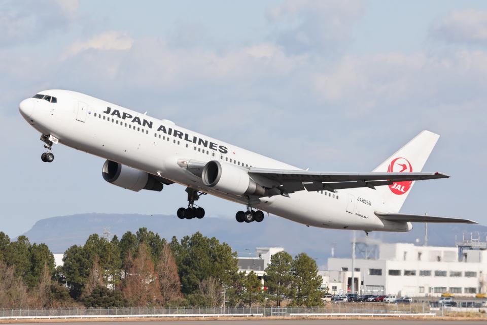 express999さんの日本航空 Boeing 767-300 (JA8988) 航空フォト