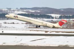 Airliners Freakさんが、女満別空港で撮影した日本航空 MD-90-30の航空フォト(飛行機 写真・画像)