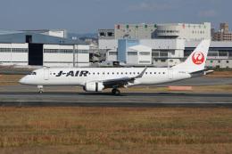 神宮寺ももさんが、伊丹空港で撮影したジェイエア ERJ-190-100(ERJ-190STD)の航空フォト(飛行機 写真・画像)