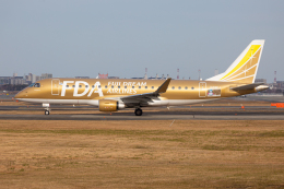 (新)ふぁんとむ改さんが、福岡空港で撮影したフジドリームエアラインズ ERJ-170-200 (ERJ-175STD)の航空フォト(飛行機 写真・画像)
