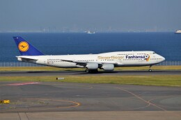 OMAさんが、羽田空港で撮影したルフトハンザドイツ航空 747-830の航空フォト(飛行機 写真・画像)