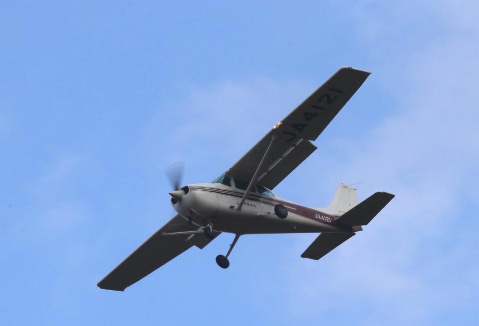 EosR2さんのエス・ジー・シー佐賀航空 Cessna 172 (JA4121) 航空フォト