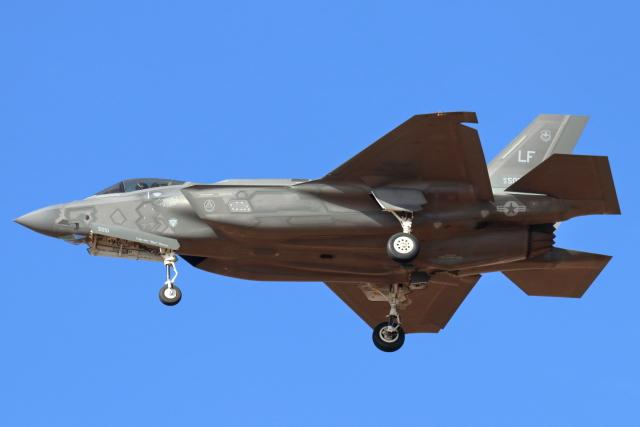 ルーク空軍基地、どんな空港?就航都市、フライト情報など、利用者 ...