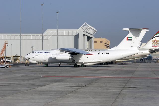 アブダビ国際空港 - Abu Dhabi International Airport [AUH/OMAA]で撮影されたアブダビ国際空港 - Abu Dhabi International Airport [AUH/OMAA]の航空機写真(フォト・画像)