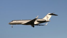 raichanさんが、成田国際空港で撮影したビスタジェット BD-700-1A10 Global 6000の航空フォト(飛行機 写真・画像)