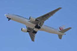 きつねさんが、福岡空港で撮影した日本航空 777-289の航空フォト(飛行機 写真・画像)