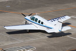 korosukeさんが、南紀白浜空港で撮影した日本法人所有 A36 Bonanza 36の航空フォト(飛行機 写真・画像)