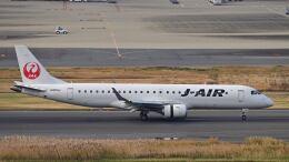オキシドールさんが、羽田空港で撮影したジェイエア ERJ-190-100(ERJ-190STD)の航空フォト(飛行機 写真・画像)