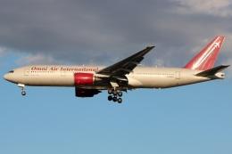 たみぃさんが、横田基地で撮影したオムニエアインターナショナル 777-2U8/ERの航空フォト(飛行機 写真・画像)