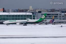 アローズさんが、福岡空港で撮影したエバー航空 A330-302の航空フォト(飛行機 写真・画像)