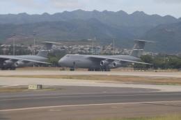 T_pontaさんが、ダニエル・K・イノウエ国際空港で撮影したアメリカ空軍 C-5B Galaxyの航空フォト(飛行機 写真・画像)