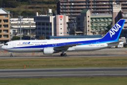 三軒 那乃さんが、福岡空港で撮影した全日空 767-381/ERの航空フォト(飛行機 写真・画像)