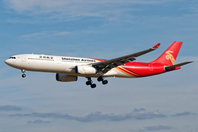 航空フォト:B-302E 深圳航空 A330-300