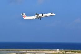 こじゆきさんが、久米島空港で撮影した琉球エアーコミューター DHC-8-402Q Dash 8 Combiの航空フォト(飛行機 写真・画像)