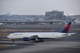 hachiさんが、羽田空港で撮影したデルタ航空 777-232/ERの航空フォト(飛行機 写真・画像)