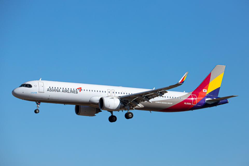 SGR RT 改さんのアシアナ航空 Airbus A321neo (HL8364) 航空フォト