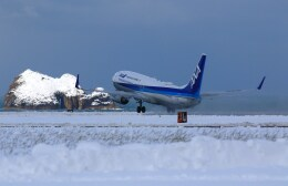 kazutoさんが、鳥取空港で撮影した全日空 737-881の航空フォト(飛行機 写真・画像)