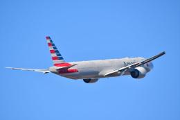 チョロ太さんが、成田国際空港で撮影したアメリカン航空 777-323/ERの航空フォト(飛行機 写真・画像)