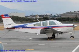 Chofu Spotter Ariaさんが、松山空港で撮影した日本個人所有 F33A Bonanzaの航空フォト(飛行機 写真・画像)