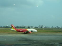 チャンギーVさんが、タンソンニャット国際空港で撮影したベトジェットエア A320-214の航空フォト(飛行機 写真・画像)