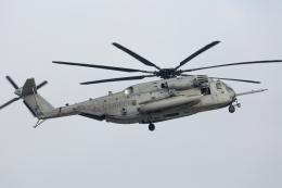 (新)ふぁんとむ改さんが、普天間飛行場で撮影したアメリカ海兵隊 CH-53Eの航空フォト(飛行機 写真・画像)