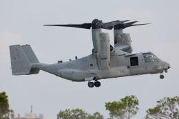 (新)ふぁんとむ改さんが、普天間飛行場で撮影したアメリカ海兵隊 MV-22Bの航空フォト(飛行機 写真・画像)