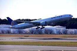 まいけるさんが、成田国際空港で撮影したユナイテッド航空 777-322/ERの航空フォト(飛行機 写真・画像)