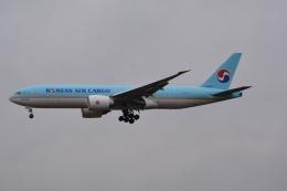 LEGACY-747さんが、成田国際空港で撮影した大韓航空 777-FB5の航空フォト(飛行機 写真・画像)