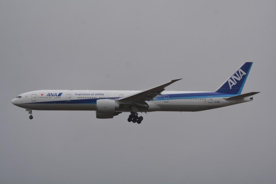 LEGACY-747さんの全日空 Boeing 777-300 (JA791A) 航空フォト