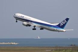 もぐ3さんが、新潟空港で撮影した全日空 767-381/ERの航空フォト(飛行機 写真・画像)