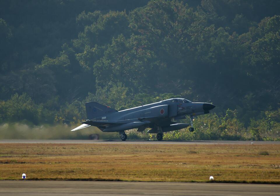 平凡なおっちゃんさんの航空自衛隊 Mitsubishi F-4EJ Phantom II (47-8327) 航空フォト