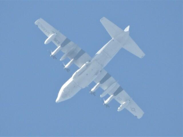 いねねさんが、横須賀基地で撮影したアメリカ海兵隊 KC-130J Herculesの航空フォト(飛行機 写真・画像)