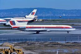 パール大山さんが、サンフランシスコ国際空港で撮影したユナイテッド航空 727-222/Advの航空フォト(飛行機 写真・画像)