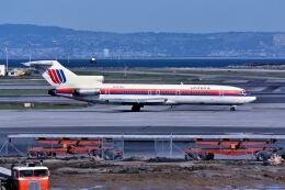 パール大山さんが、サンフランシスコ国際空港で撮影したユナイテッド航空 727-222の航空フォト(飛行機 写真・画像)
