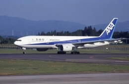 kumagorouさんが、鹿児島空港で撮影した全日空 777-281の航空フォト(飛行機 写真・画像)