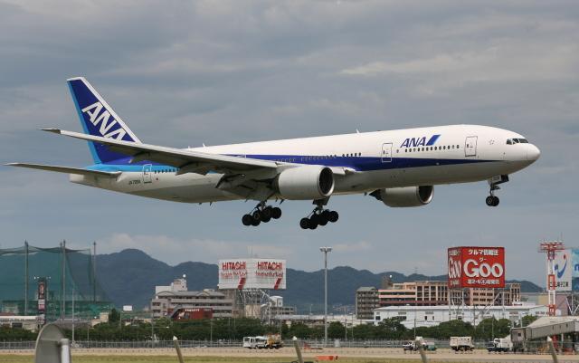 asuto_fさんが、福岡空港で撮影した全日空 777-281の航空フォト(飛行機 写真・画像)