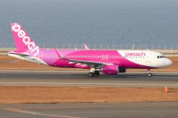 ドガースさんが、中部国際空港で撮影したピーチ A320-214の航空フォト(飛行機 写真・画像)