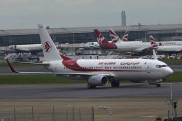 狛犬さんが、ロンドン・ヒースロー空港で撮影したアルジェリア航空 737-8D6の航空フォト(飛行機 写真・画像)
