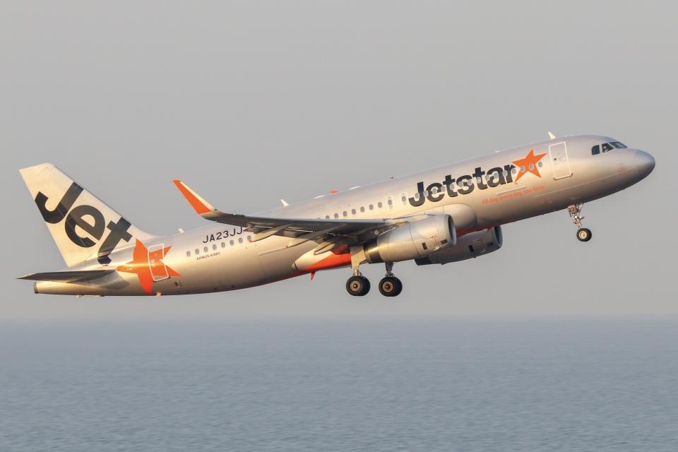 ドガースさんのジェットスター・ジャパン Airbus A320 (JA23JJ) 航空フォト