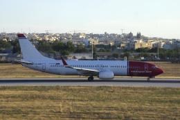 狛犬さんが、マルタ国際空港で撮影したノルウェー・エアシャトル 737-8JPの航空フォト(飛行機 写真・画像)