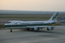 kahluamilkさんが、中部国際空港で撮影したエバーグリーン航空 747-212B(SF)の航空フォト(飛行機 写真・画像)