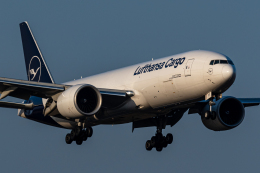 みぐさんが、成田国際空港で撮影したルフトハンザ・カーゴ 777-FBTの航空フォト(飛行機 写真・画像)