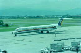 kotaちゃんさんが、松山空港で撮影した日本エアシステム MD-81 (DC-9-81)の航空フォト(飛行機 写真・画像)