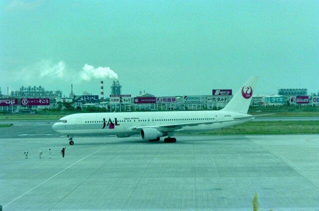 kotaちゃんさんが、松山空港で撮影した日本航空 767-346の航空フォト(飛行機 写真・画像)